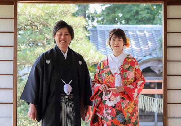 笑顔の新郎新婦様の和装結婚写真