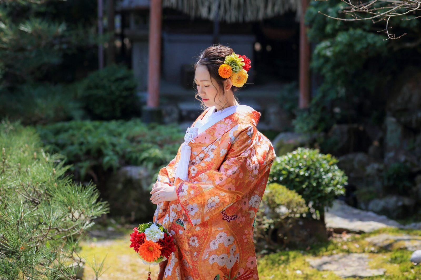 カラフルな髪飾りの花嫁様