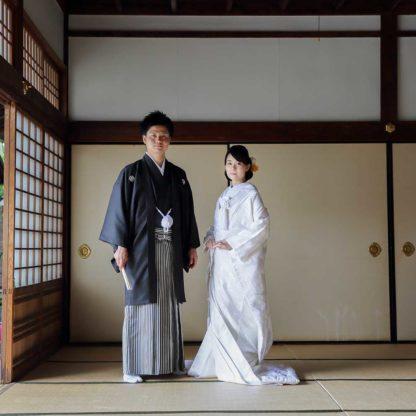 お寺の和室での前撮り写真