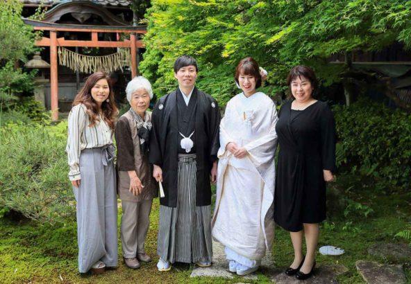 和装の家族写真