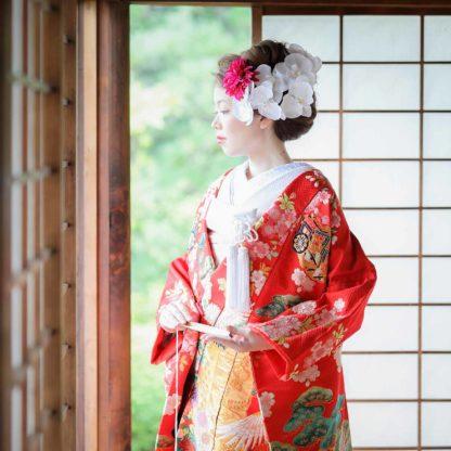 赤い色打掛姿の花嫁様