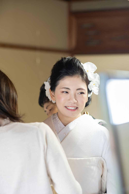 花嫁様の和装のお支度風景