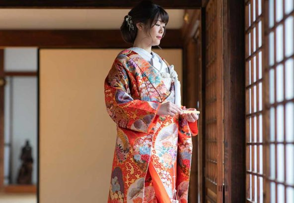 丸紋の色打掛の花嫁様