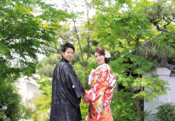 京都の新緑の中での和装前撮り写真