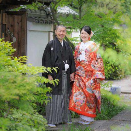 京都妙蓮寺境内での和装前撮り写真