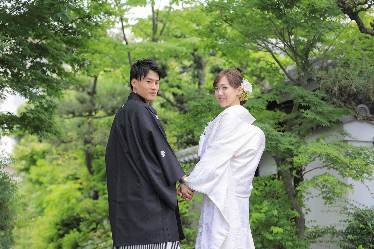 新緑をバックに京都で和装ロケーション撮影