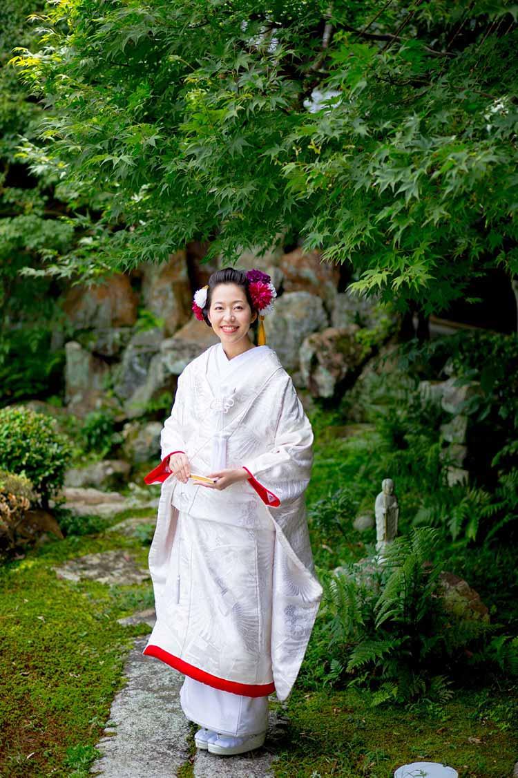 赤ふきの白無垢の花嫁様