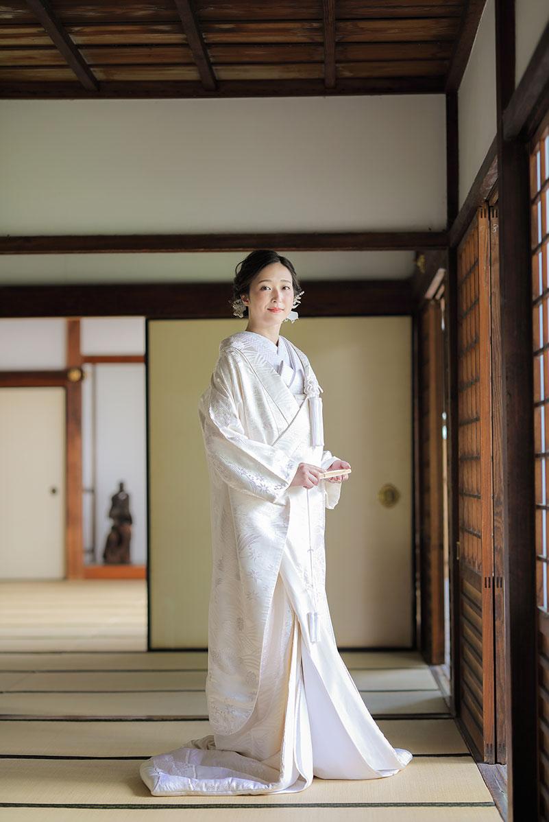 白無垢1.鶴と松(正面)