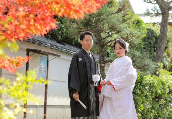 11月の京都紅葉で白無垢姿の新郎新婦様