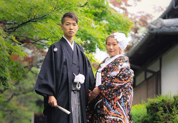 京都戒光寺屋外での和装結記念写真