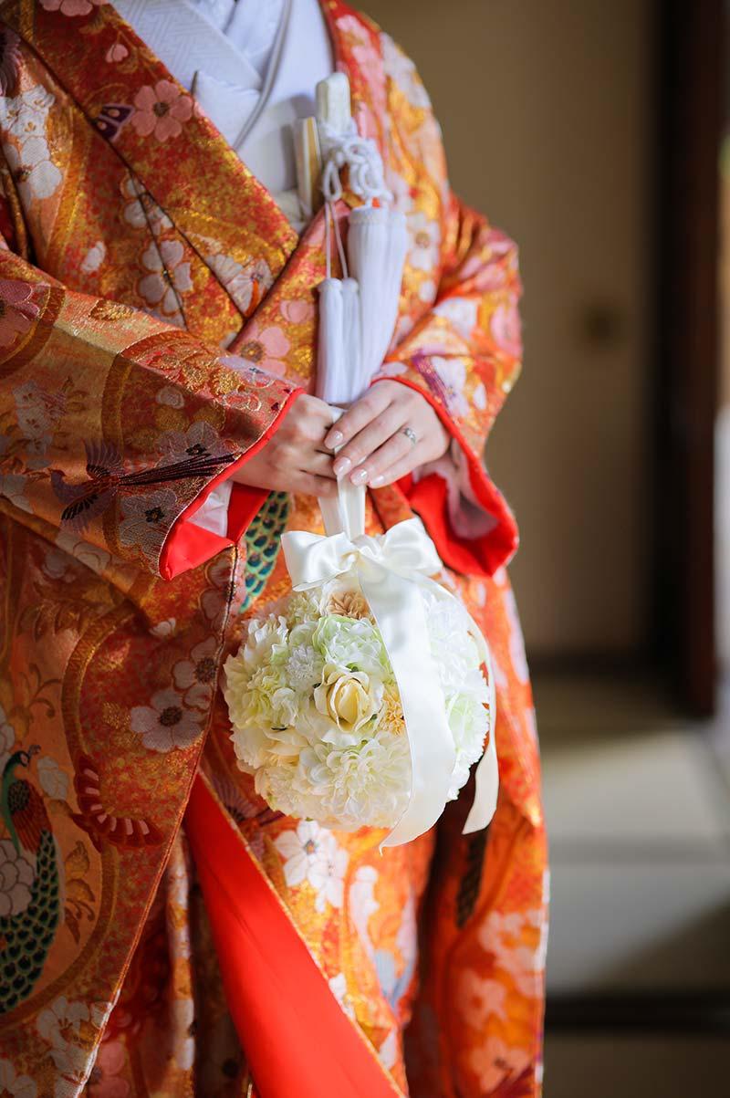 花嫁様手作りのボールブーケ