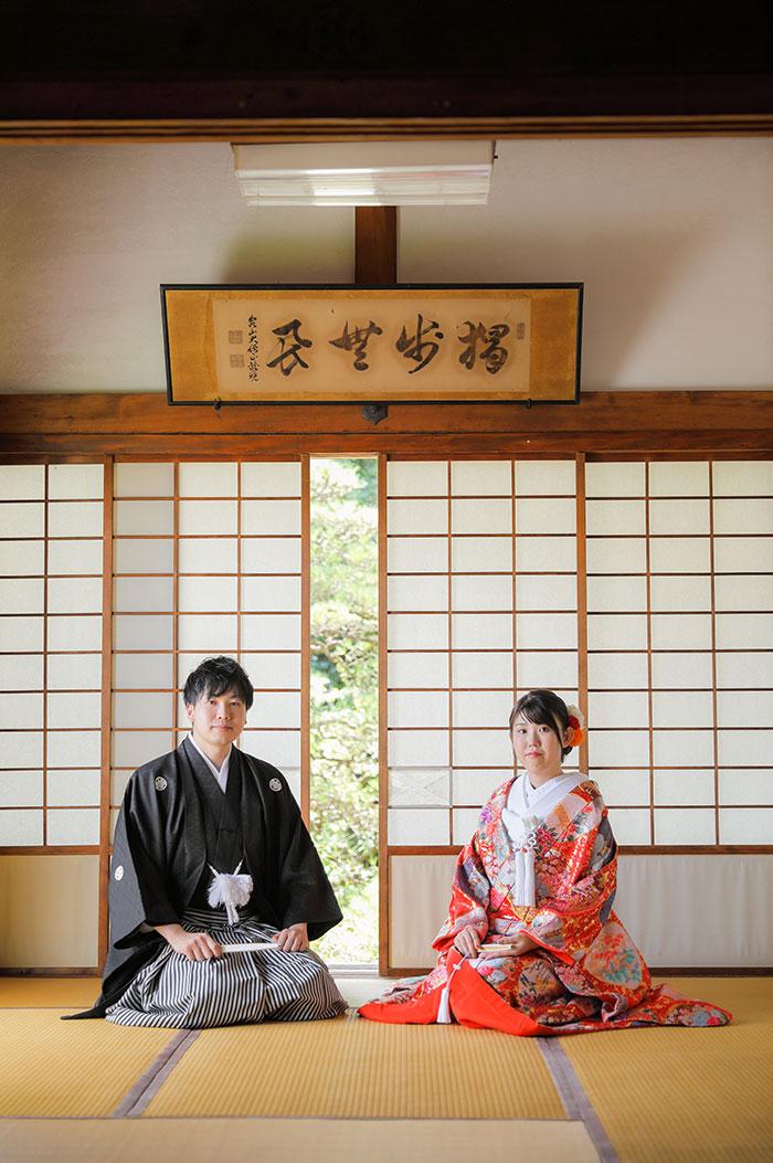 京都のお寺の和室での新郎新婦様